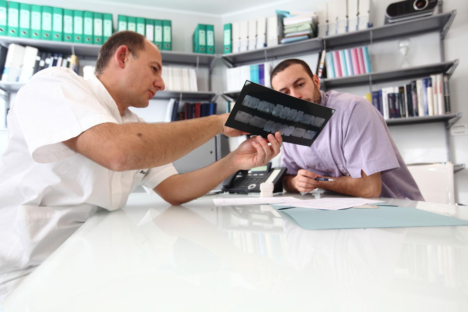 studio-odontoiatrico-crea-viterbo-sala-riunioni-02